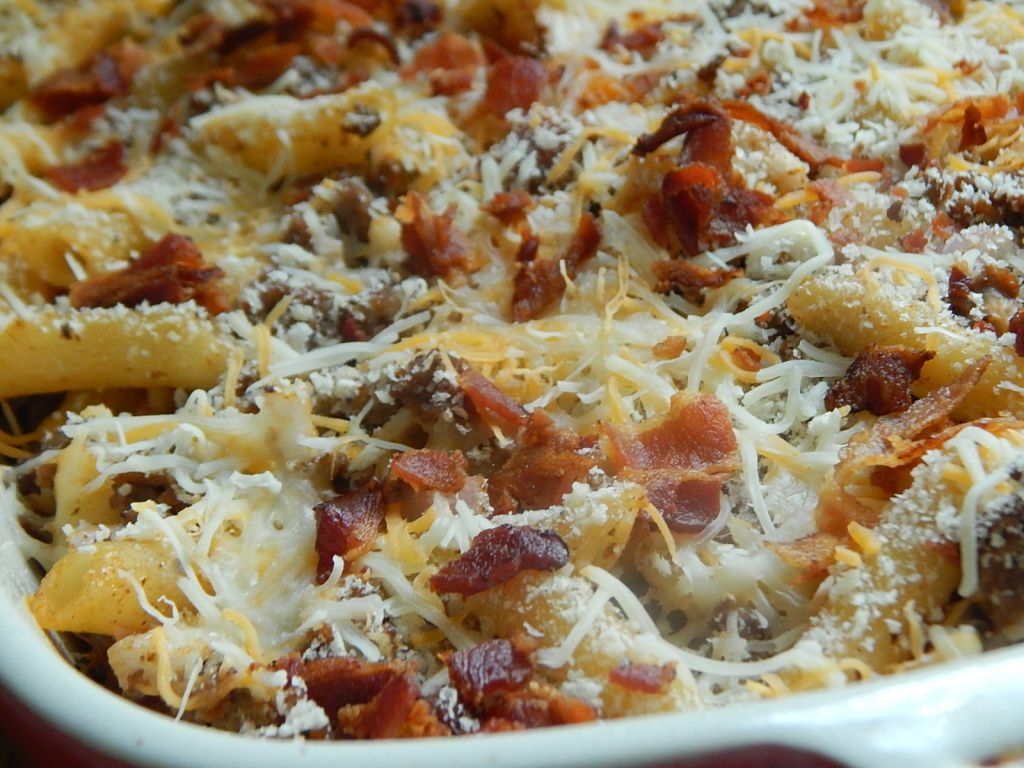 Bacon cheeseburger pasta bake – Drizzle Me Skinny!
